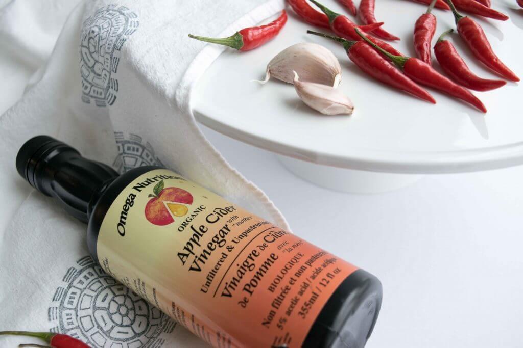 Sriracha Sauce Ingredients: Garlic, Red Thai chile peppers, Vinegar