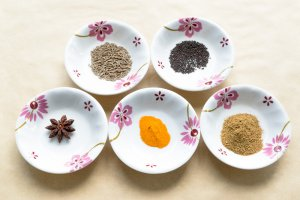 Cumin, Mustard, Star Anise, Turmeric, Coriander and Cumin powder