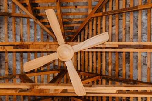 Sustainable products - wood fan