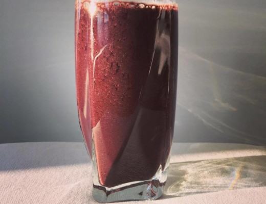 """KALE 'N CHERRY"" smoothie"