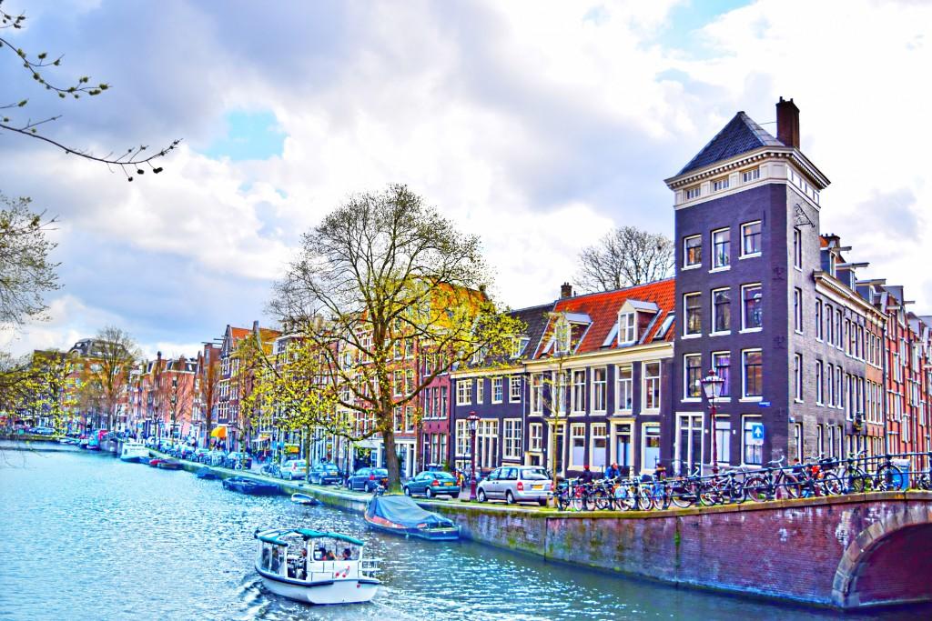 Oh so cute, Amsterdam! Houses, bikes