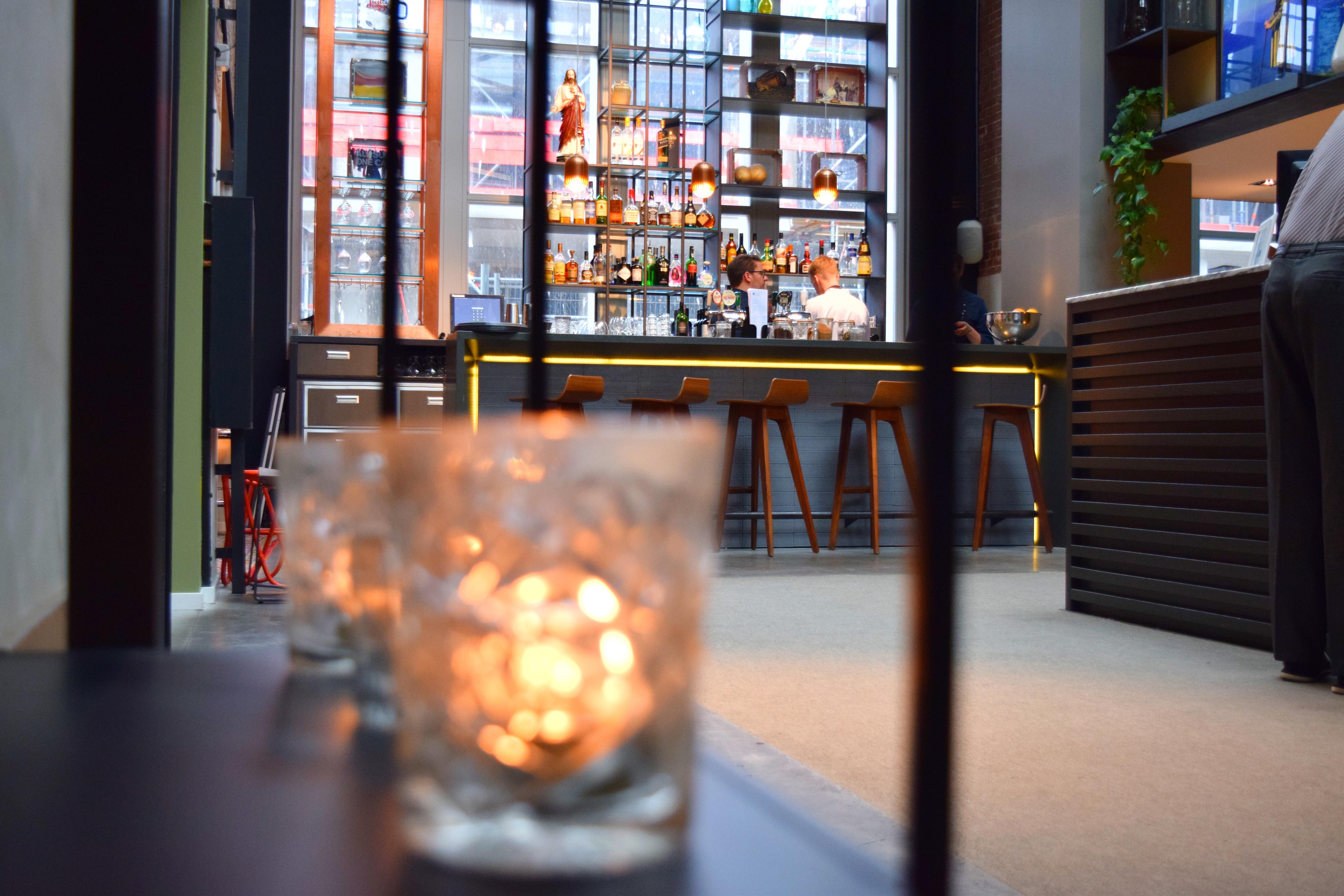 Hotel De Hallen Bar