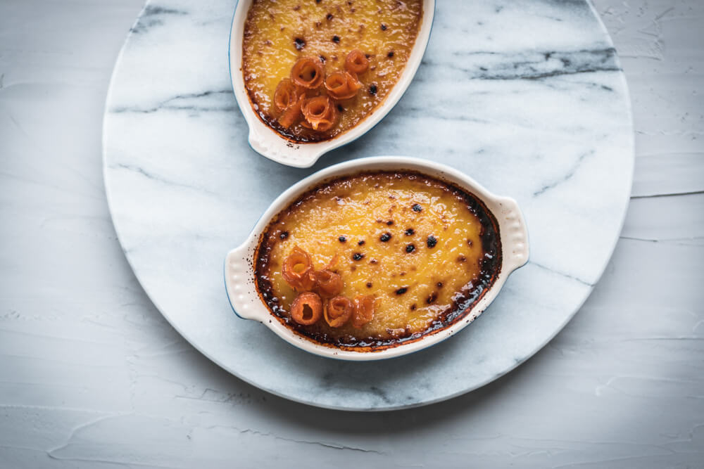 Vegan no-bake Crème brûlée: Carrot and Coconut Milk